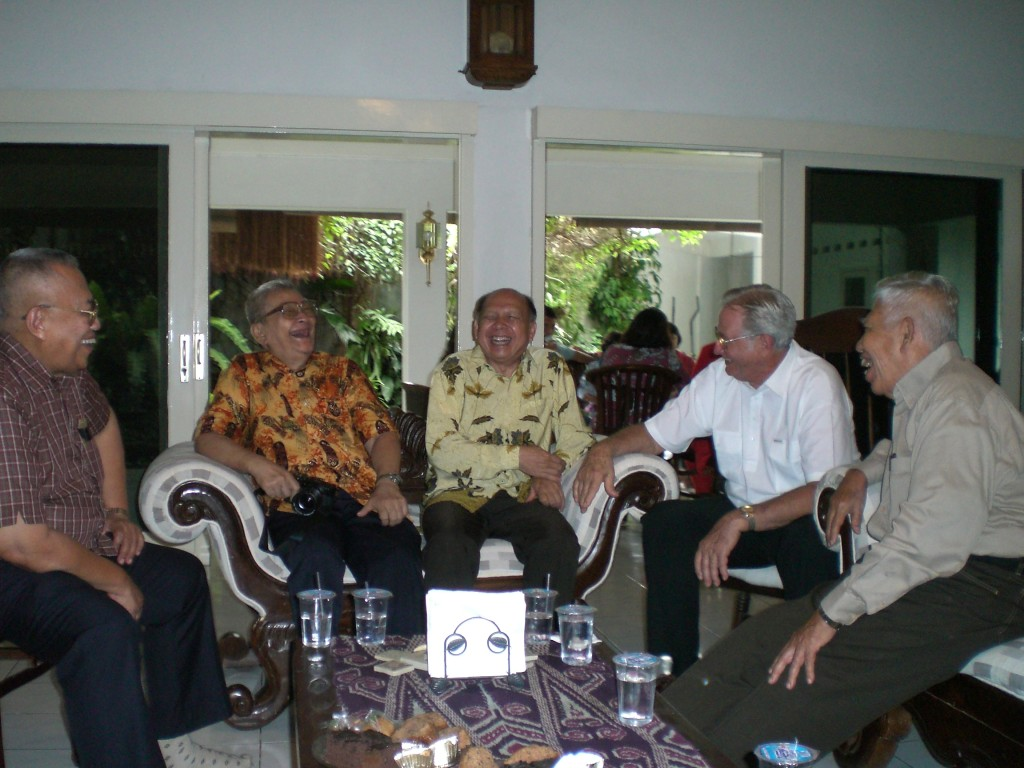 December 2006 gathering of Granddad and IPB colleagues at Aunt Cindy's house